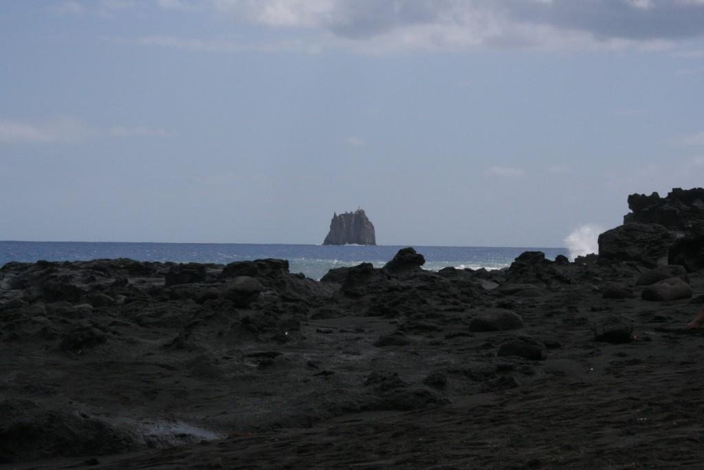 Strombolicchio visto da Stromboli